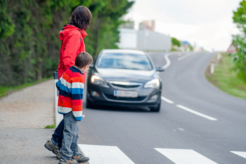 Crossing-the-Road-with-Kid
